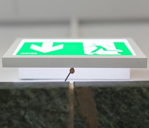 15_door-mic